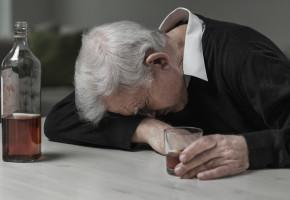 Pijany dziadek opiekował się dziećmi! Sprawa zakończyła się interwencją sopockich policjantów-9243