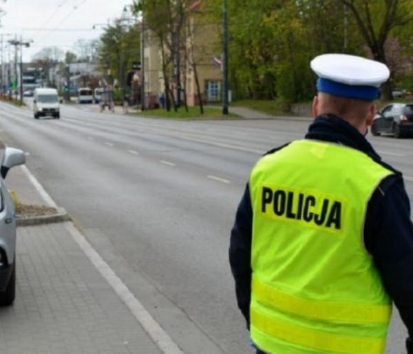 Bat na fanów rajdu po Alei Niepodległości! Policja podsumowuje kaskadowe pomiary prędkości-9721