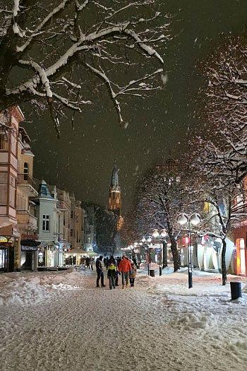 Bajkowy Sopot w zimowy wieczór! Kurort zachwyca w białej odsłonie [FOTO]-470