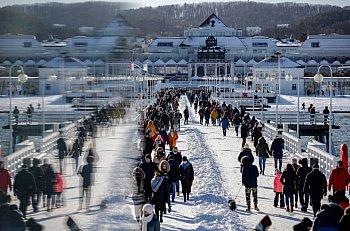Morze spacerowiczów w Sopocie! Napływ turystów po otwarciu hoteli [FOTO]-471