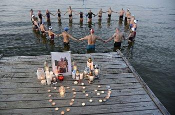 Sopot: Symboliczne pożegnanie Jacka Starościaka o zachodzie słońca [FOTO]-523