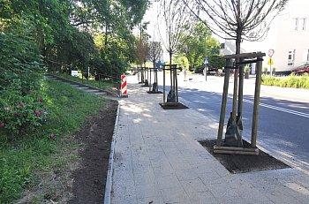 Zakończono poszerzanie chodnika na ul. Kolberga-558