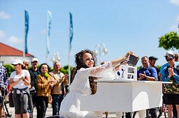 Sopot: tłumy spacerowiczów w słoneczną niedzielę [FOTO]-560