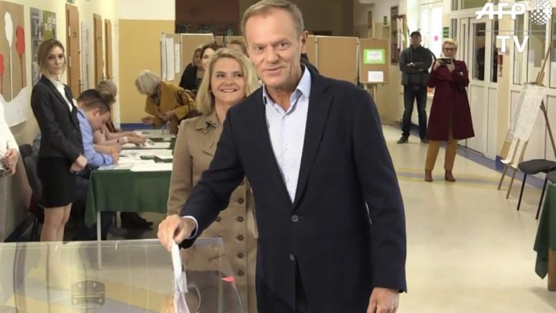 Donald Tusk zagłosował w Sopocie / Wybory Parlament Europejski 2019 [VIDEO]